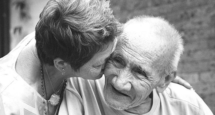 Mais barato, exame prevê diagnóstico de Alzheimer até 20 anos antes dos sintomas
